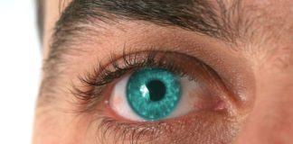 Причины красных пятен в глазу