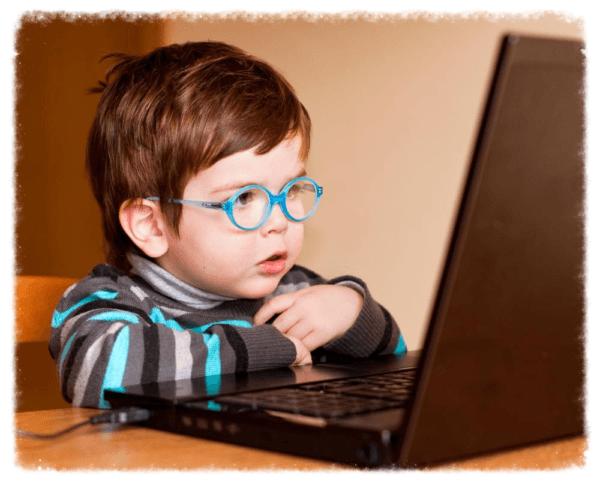 ребенок у компьютера не должен проводить много времени