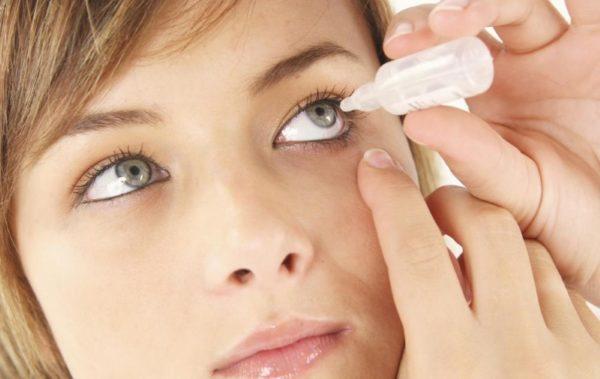 Используйте специальные препараты для снятия усталости органов зрения.